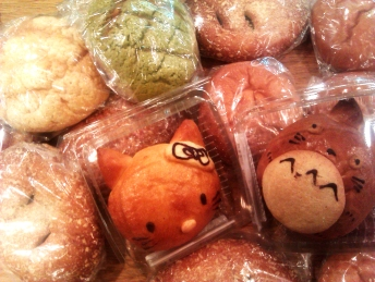 kitty totoro bread