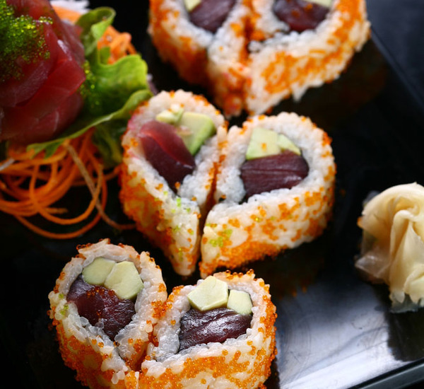 photo_heart_shaped_sushi