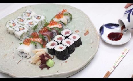 Recipe how to make ura maki sushi japancentre blog recipe how to make ura maki sushi forumfinder Images