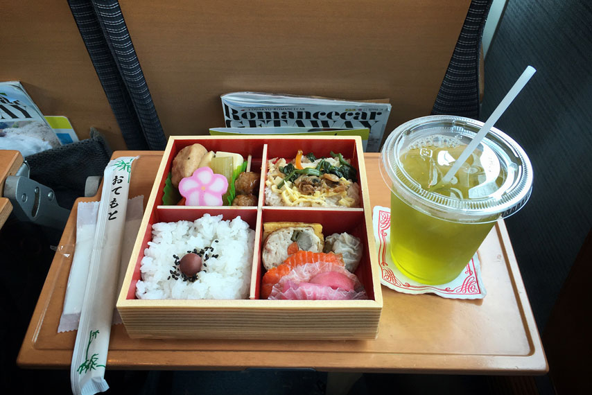 Bento-on-the-bullet-train-f